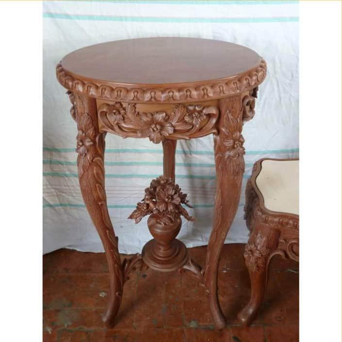 реставрация антикварной мебели в СПб